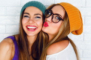 Reasons Why Glasses Is Getting More Popular In The Past Decade